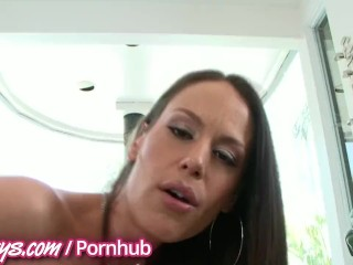 Dirty brunette Milf squirts