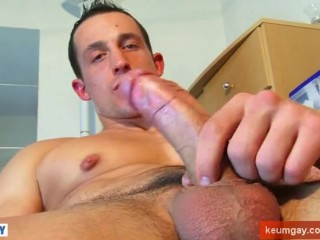 Soccer player, straight guy with huge cock gets wanked by a guy!