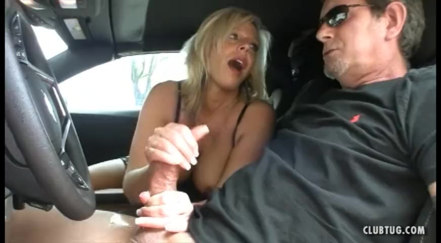 Fine Ass Bbw Plays With Her Pussy In Tha Car