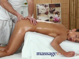Vergine Girls Fucked Massage Rooms Stunning Russian Teen Has Tight Hole Filled With Big Dick,