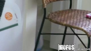 Mofos olivia cleaning makes sexy amateur of