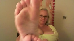 Take a good look at my perfect feet and polished to nails. SLAVES Worship