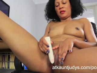 Ebony gets tits sucked