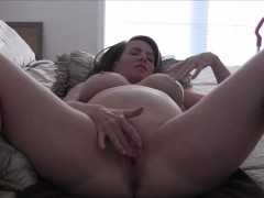 26 Weeks Pregnant MILF Gives You Cum Eating Instructions