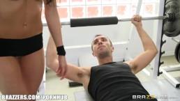 Brazzers - Kortney Kane's needs help stretching