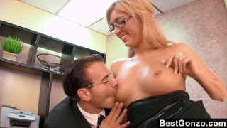 Naughty Office Slut Needs To Unwind Amateur shemale