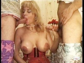 Pussy voyeur beach i 3 porcelloni, scene 1 big tits mature double penetration gangbang