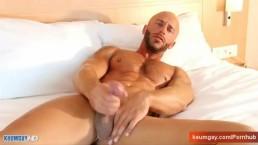 Huge cock to get massage.