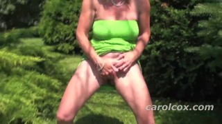 Peeing in the Park porno