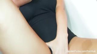 Jayden Jaymes Fingers Her Wet Pussy Chubby bear