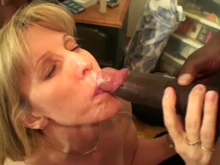 Amateur Choking Carol Cox Fucks 2 Big Black Cocks