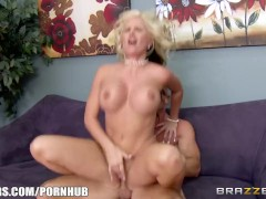 Brazzers - Busty Blonde Saleswoman Brynn Tyler Makes A Sale & Rides Big-Dick