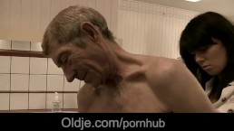 Old man gets laid with his young doctoress in the medical