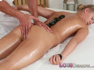 Sexy Old Milf Love cumshot College girl orgasms as masseur cums inside her young pussy