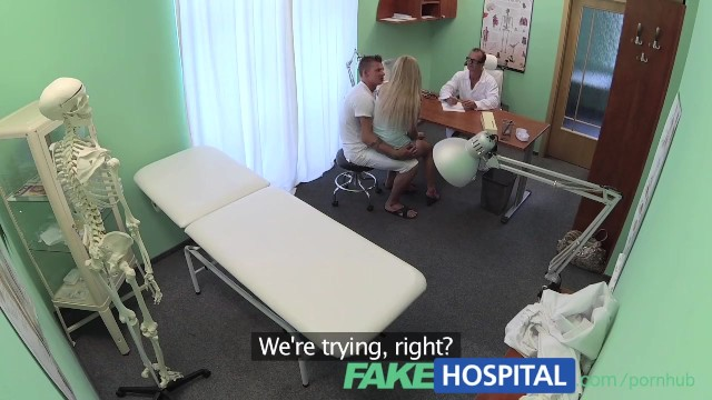 Doctor patient fuck - Fakehospital boyfriend fucks his girlfriend while the doctor gives advice