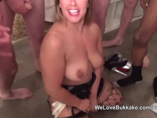 Ashley Ryder tries an amateur facial and bukkake party