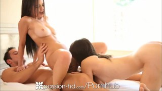 Passion-HD Two brunettes have a threesome for breakfast