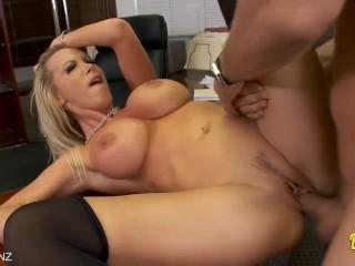 Blonde Nikki Benz gets fucked
