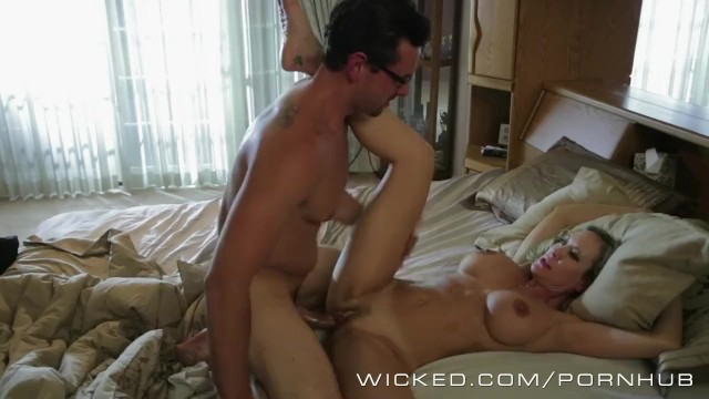Having sex standing up pictures Brandi love gets woken up by big dick