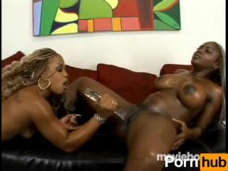 Holla Black Girlz #4, Scene 3