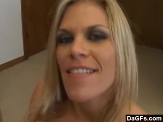 Pormo Latino Mom Gives Head In Motel Room, Amateur Blowjob Milf Small Tits