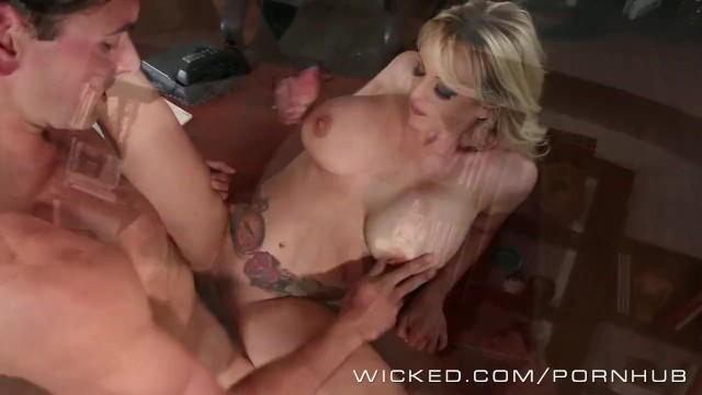 Free asian plumpers picture - Stormy daniels fucks her office boytoy