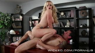 Stormy Daniels  fucks her office boytoy Licking milf