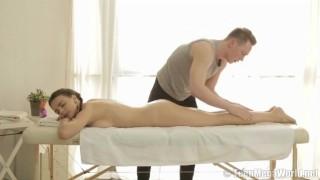 Teen beaut riding her masseur's shaft Trimmed sex