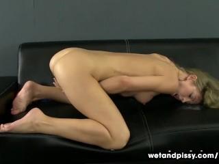 Free porno pics of melissa joan hart