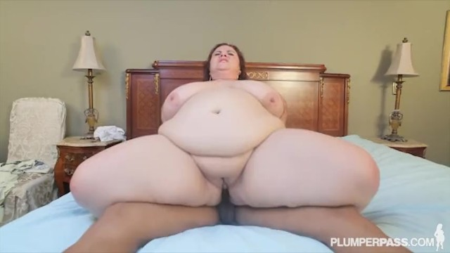Plump black mature Huge tit milf lady lynn fucks sons black friend