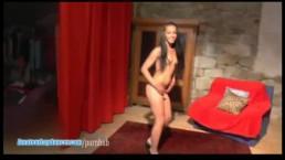 Gypsy teen does wild lapdance show
