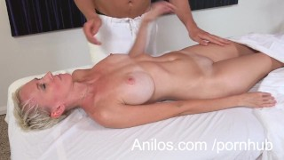 Amateur cougar gets a happy ending massage Cock mother