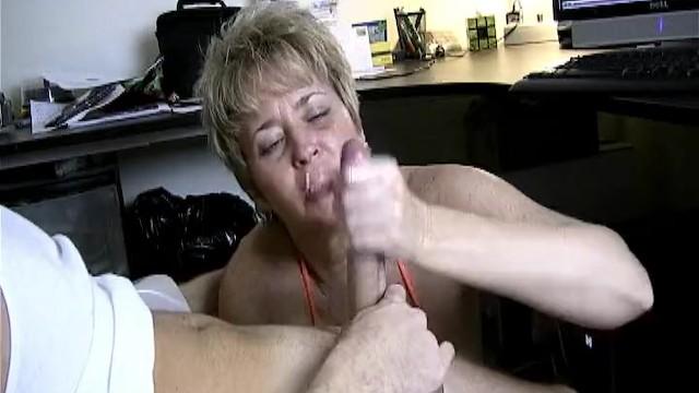 Naughty Mature Handjob In Car - Pornhubcom-6619