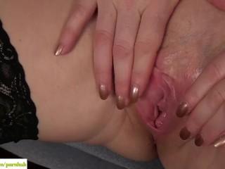 Amber Jewel Fingers Her Older Twat