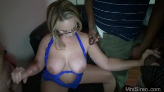 Wife Blowbang at Club