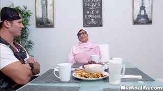 Mia Khalifa stepmom Juliana Vega fucks and sucks her boyfriends cock