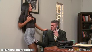 Elicia Solis gets some office fucking - Brazzers Small tits