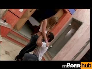 Culos gone loco, scene 1