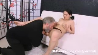 Video Porno - Old Goes Young Young Diana Love Spreading Her Legs And Letting This Old Guy Fuck Her