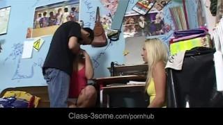 Carla's first blowjob using the dick of her best girlfriend Caroline Big tgirl