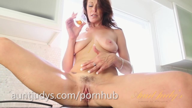 Famouse female nude - Mimi moores famous penis pancakes