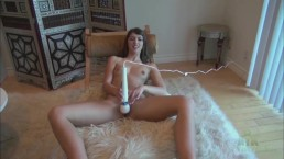 Susan Ayn takes the Hitachi to her Pussy