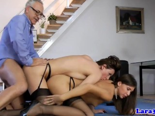 Lesbo tarina linja porno