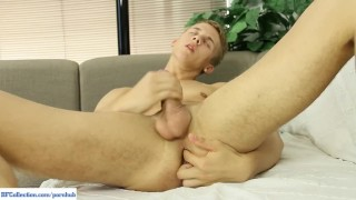Twink Chris Hollander Busts A Nut Onto Abs