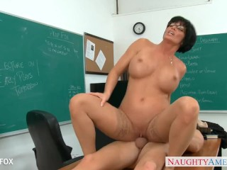 Nude Bbw Ass And Pussy Massage Milf In Glasses Shay Fox Fuck In Class