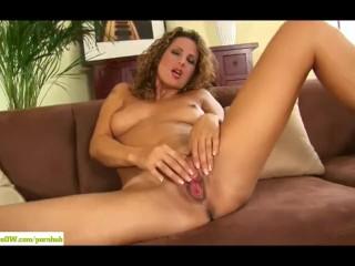 Mature Goddess Yvette Masturbates