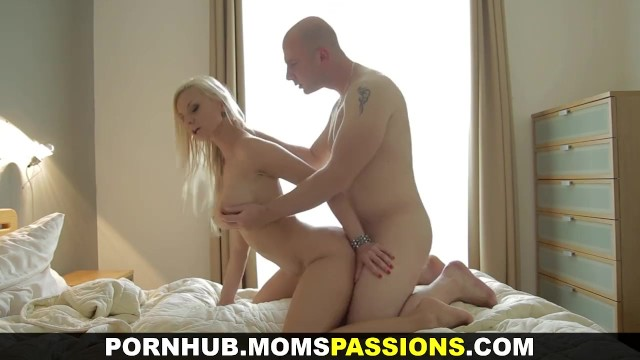 Lovemaking and best orgasm - Moms passions - first lovemaking with busty mom