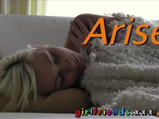 Girlfriends fit slim blonde masterbates as she wakes