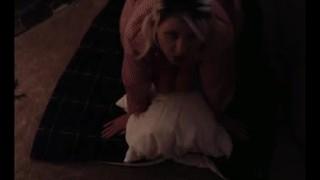 Porno Xxx - Enorme Tieten Kerstpoema Wordt Hard Gepompt En Slikt Een Enorme Lading Van