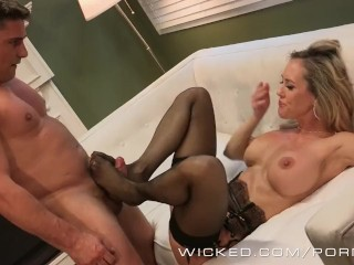 Amateur Fat Girls Pics And Video Wicked - Sexy milf Brandi Love takes a big load